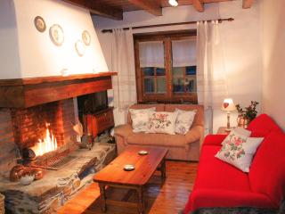 Chalet with a fireplace - El Tarter vacation rentals