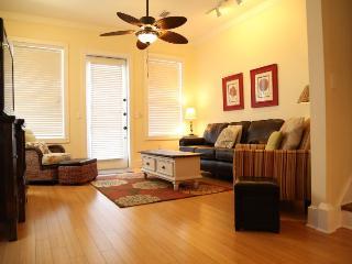 'Who Cares'? B - 4bd/3.5ba Waterfront Duplex - Gulf Shores vacation rentals