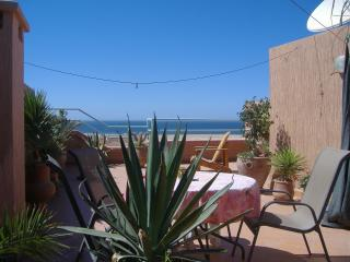 Bright 2 bedroom Tamrhakht Apartment with Internet Access - Tamrhakht vacation rentals