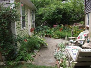 Studio cottage near Manomet Beach - Plymouth vacation rentals