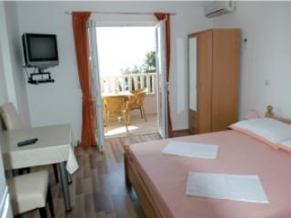 Apartmani Zoran Apartman Omis 4 - Image 1 - Omis - rentals