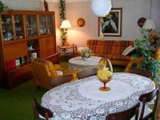 Ollie's B+B 1 Bedrooms 2 guests - Welland - Welland vacation rentals