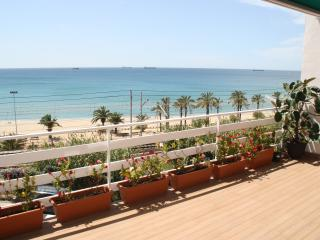Perfect Condo with Internet Access and Freezer - Tarragona vacation rentals