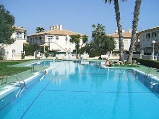 Modern 2 bed apartment - La Mata vacation rentals