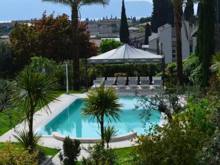 Raffinato appartamento in elegante residence - Toscolano-Maderno vacation rentals