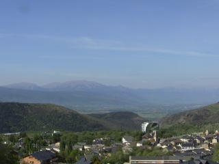 2 bedroom Condo with Short Breaks Allowed in Font-Romeu - Font-Romeu vacation rentals