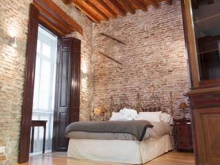 LIVIN4MALAGA - LUXURY SUITE CATHEDRAL - CENTRE - Malaga vacation rentals
