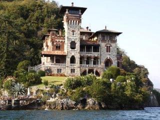 Charming castle VILLA GAETA - San Siro vacation rentals