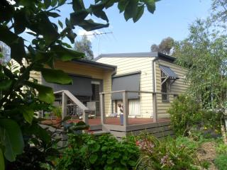 Wonga Park Brushy Creek Cottage - Melbourne vacation rentals