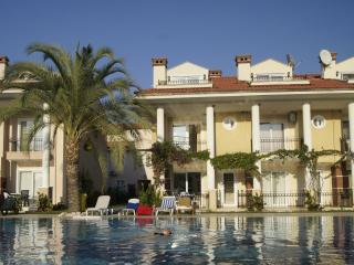 Oasis Village - 5 Star Villa, come see and love it - Yaniklar vacation rentals