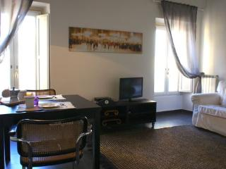YOUR Largo Argentina Apartment - Sacrofano vacation rentals