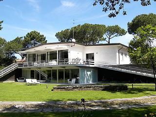 Villa Demetra 700m from the beach, 6 km from center of Forte dei Marmi. - Marina Di Massa vacation rentals
