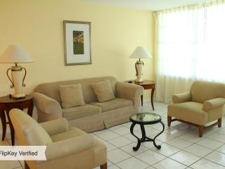 6BR 6BA (JUNIORS) MIAMI BEACH. at SEACOAST SUITES - Miami Beach vacation rentals