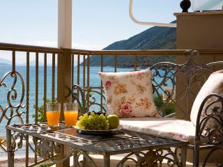 Beach Villa style apartment near Vassiliki beach, balcony sea views, close to beach, Ponti- Vassiliki - Lefkas vacation rentals