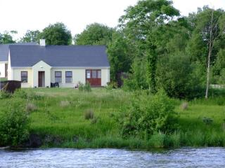 Lovely 3 bedroom Cottage in Kesh - Kesh vacation rentals