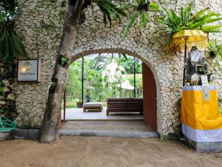 HUGE 4+BR VILLA, 100m to Sanur Beach. Escape to THE VILLA SANUR. - Sanur vacation rentals