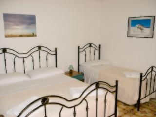 Cozy 1 bedroom Townhouse in Province of Trapani with A/C - Province of Trapani vacation rentals