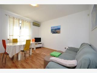 Lovely apartment near the Diocletian's Palace - Split vacation rentals