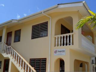 Bright 3 bedroom Beau Vallon Condo with Internet Access - Beau Vallon vacation rentals