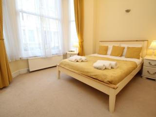 2 Bed Ground Floor Apartment - London vacation rentals
