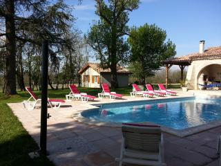 Nice Gite with Internet Access and A/C - Layrac vacation rentals
