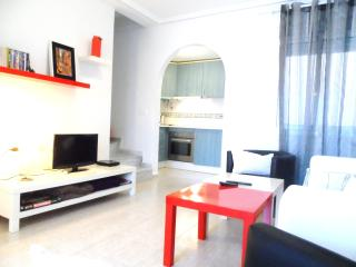 WI-FI, Pool and  3' from the beach House - Santa Pola vacation rentals