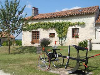 Le Cottage, Longeveau - Charente vacation rentals