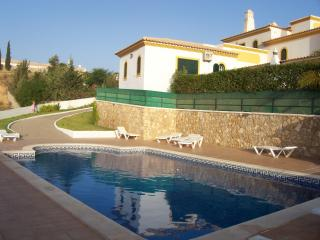 Lovely 2 bedroom Villa in Albufeira - Albufeira vacation rentals