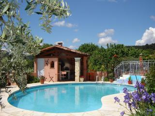La Flourida Chambres d'hôtes (B&B)  2, 3 ou 4 pers - Cotignac vacation rentals