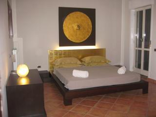 Nice 2 bedroom Pompeii Condo with Internet Access - Pompeii vacation rentals