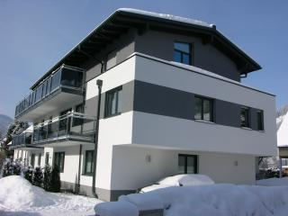 Bright Condo with Internet Access and Satellite Or Cable TV - Schladming vacation rentals