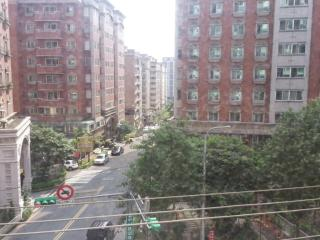 4rm Family Apt (10min to airport). FREE Shuttle. - Taipei vacation rentals