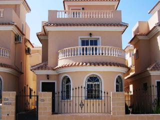 3 bedroom Villa with Internet Access in La Marina - La Marina vacation rentals