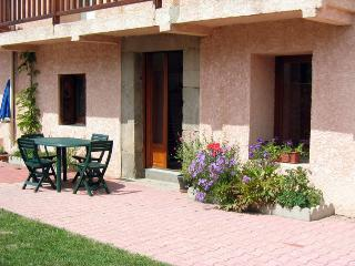 Comfortable 2 bedroom Gite in La Cabanasse - La Cabanasse vacation rentals