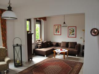 Romantic 1 bedroom Bottrop Apartment with Internet Access - Bottrop vacation rentals