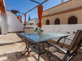 [566] (email: hidden)ic with view of La Giralda, Sevilla - Seville vacation rentals