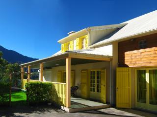 Maison de Vacance Cilaos Villa Hortensias centre-ville - Cilaos vacation rentals