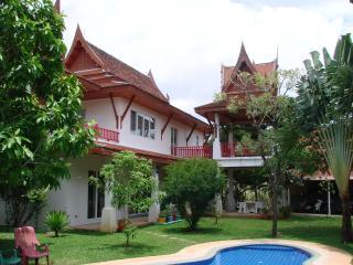 Très belle villa  6 chambres pour 2 à 14 personnes - Rawai vacation rentals