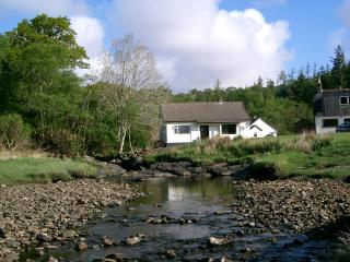 3 bedroom Cottage with Internet Access in Glenborrodale - Glenborrodale vacation rentals