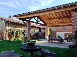 House & pool near Toulouse - Montaigut-sur-Save vacation rentals