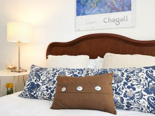 Villa Lunae - Sintra Flats I - Sintra vacation rentals