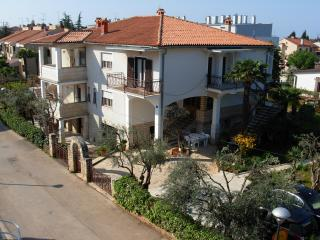 Cozy 1 bedroom Apartment in Umag with Internet Access - Umag vacation rentals