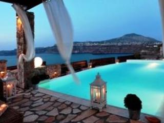 SANTORINI - Luxury Villa.Slp 8. Pool.Lux Spa - Rafina vacation rentals