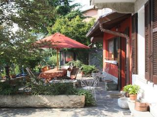 B&B FRONTELAGO Lago di Como - Mandello del Lario vacation rentals