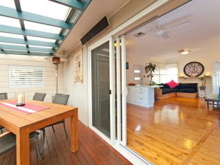 4 bedroom House with Internet Access in Manly - Manly vacation rentals
