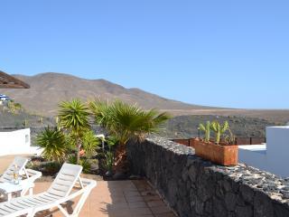 Casa La Loma, Las Coloradas, Playa Blanca - Playa Blanca vacation rentals