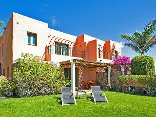 Villa with 2 bedrooms and community pool - Maspalomas vacation rentals