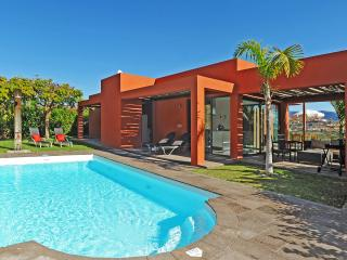 Villa with 3 bedrooms and private pool in Salobre - Maspalomas vacation rentals