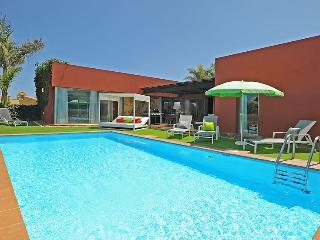 Holiday villa with 3 bedrooms and big pool - Maspalomas vacation rentals