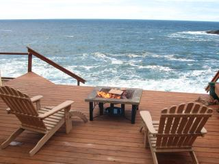 An Ocean Paradise Whales Rendezvous, Depoe Bay, OR - Depoe Bay vacation rentals